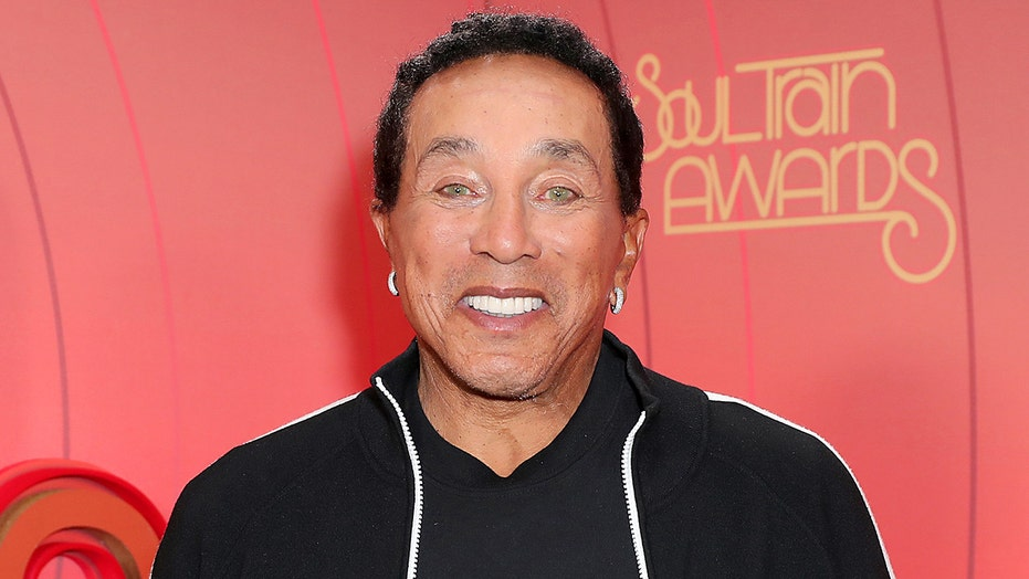 Smokey Robinson mispronounces 'Chanukah' in viral video: 'Gonna need a do-over'