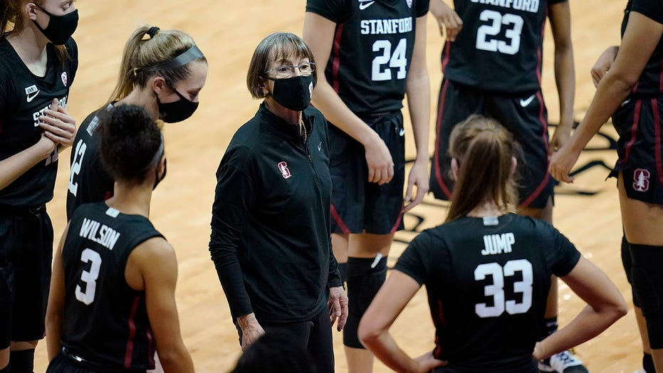 Stanford replaces South Carolina atop women's AP Top 25