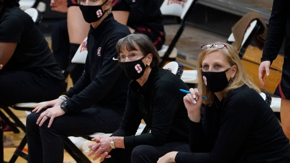 Tara VanDerveer becomes winningest women's basketball coach
