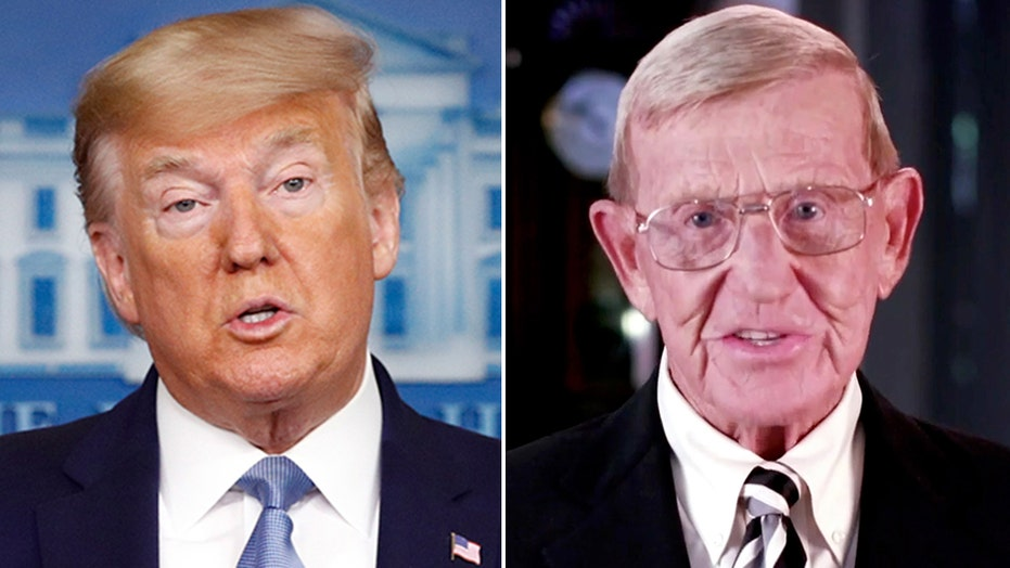 President Trump to award former Notre Dame coach Lou Holtz Presidential Medal of Freedom