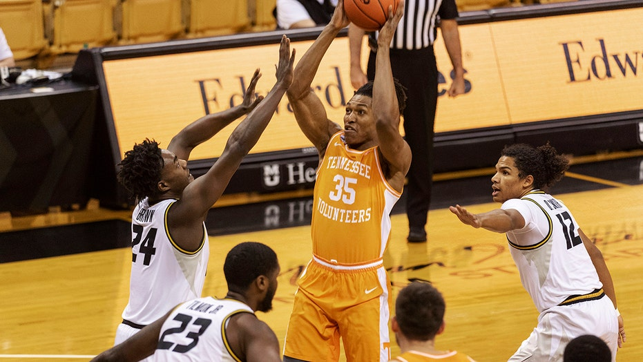 No. 7 Tennessee routs No. 12 Missouri 73-53 in SEC opener