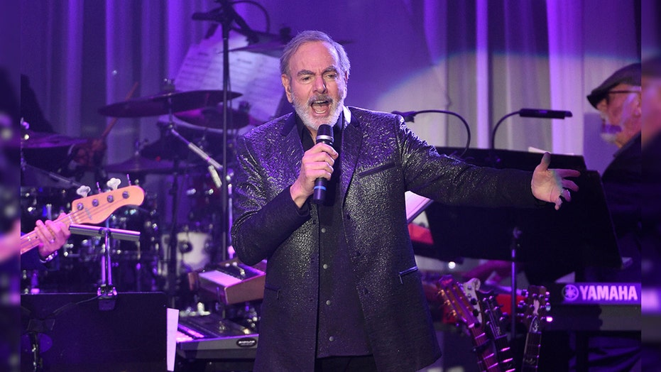 Neil Diamond hosts 'Sweet Caroline' global singalong to 'inspire people to come together'