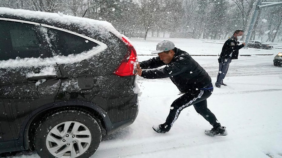Powerful winter weather brings heavy snow, strong winds