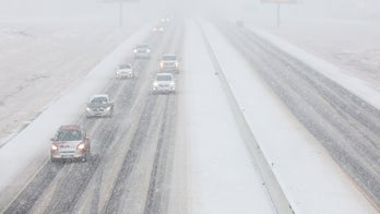 Great Plains, East warm up as heavy snow slams Northwest