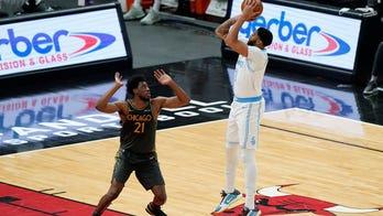 Davis scores season-high 37 as Lakers beat Bulls 101-90