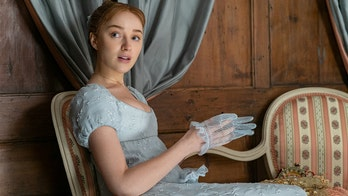 'Bridgerton' star Phoebe Dynevor 'can't imagine' how filming Season 2 would be possible during pandemic