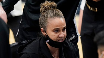 Spurs' Becky Hammon ready for head coaching opportunity: 'Somebody's going to have to take a chance'