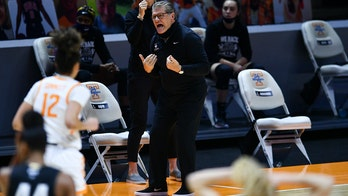 Westbrook sparks No. 3 UConn to win over No. 25 Tennessee