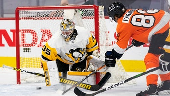 Farabee has 4-point game, Flyers beat Penguins 6-3
