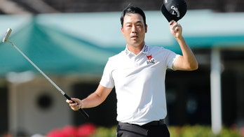 Kevin Na has a big finish and wins the Sony Open