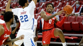 No. 5 Houston rebounds from 1st loss with 74-60 win at SMU