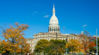 Michigan State Capitol building briefly evacuated to investigate bomb threat
