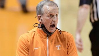 No. 10 Tennessee rides balanced scoring, beats Vanderbilt
