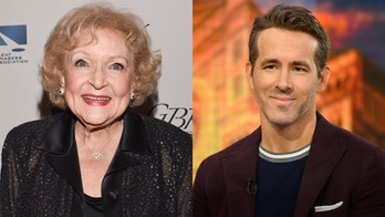 Betty White, Ryan Reynolds had hilarious 'feud' on the set of 'The Proposal,' actor reveals