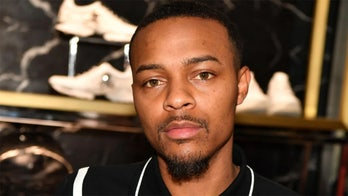 Rapper Bow Wow apologizes for attending crowded Houston nightclub amid pandemic