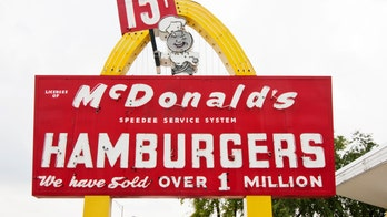 McDonald's starts 'throwback' Thursday deals, offering cheeseburgers, shakes for $0.25