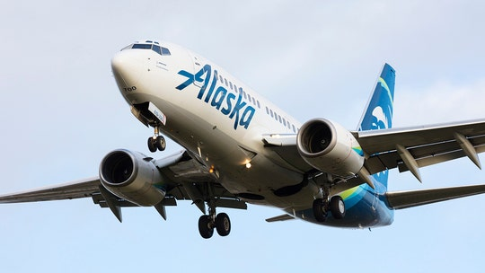 Alaska Airlines makes 1-hour seating policy after takeoff, before landing for DC flights