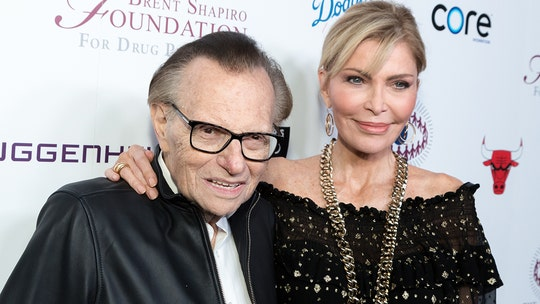 Larry King's widow Shawn King files to be TV icon's estate administrator: report