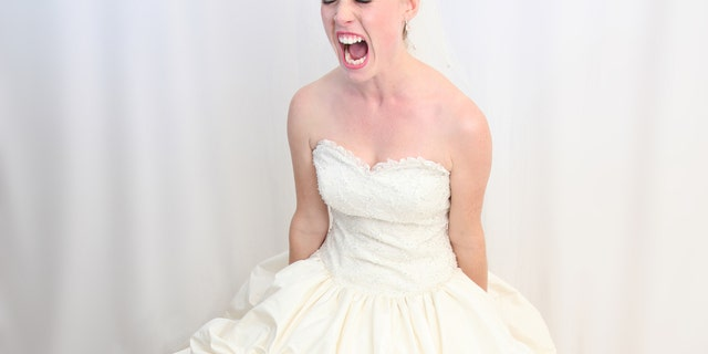 After purposely getting a dress that was too small, a bride is demanding a new wedding so she can get new wedding photos.