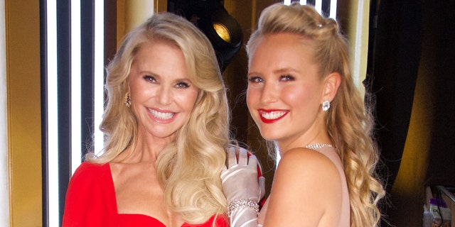 Christy Brinkley was replaced by her daughter, Sailor Brinkley-Cook, after an injury left her unable to compete on 'Dancing With the Stars' in 2019. (Eric McCandless tramite Getty Images)