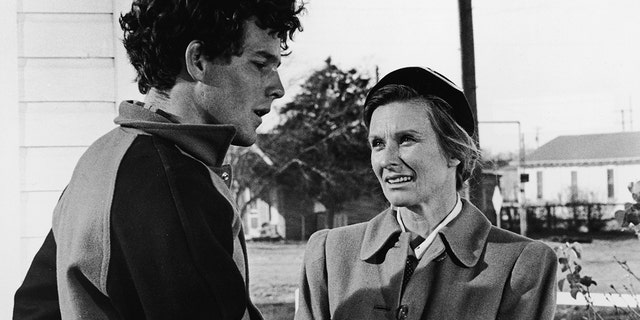 Timothy Bottoms and Chloris Leachman in 'The Last Picture Show'.  (Photo by Columbia Pictures / Courtesy of Getty Images)