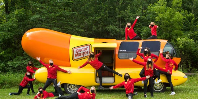 "Oscar Mayer is looking to hire a new crew of ""hotdoggers"" to drive the Oscar Mayer Wienermobile."