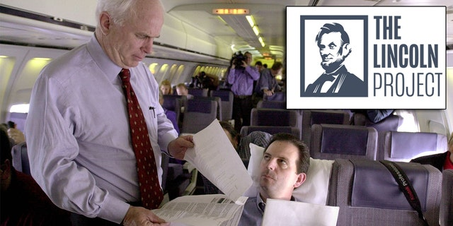 John Weaver, seated, with Sen. John McCain, R-Ariz.