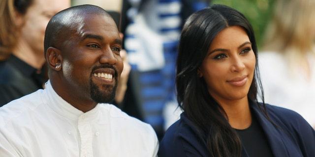 Jeffree Star's Kanye West lyrics explained: Twitter finds explicit music about rapper!