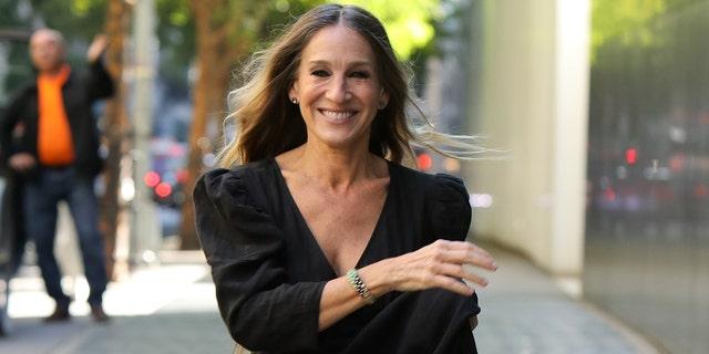 Sarah Jessica Parker says that the 'Sex in the City' revival will tackle the coronavirus pandemic.