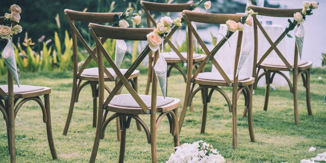Starting March 15, venues in New York state will be able to host wedding receptions at 50% capacity, or up to 150 people, as long as everyone tests negative for the coronavirus. (iStock)