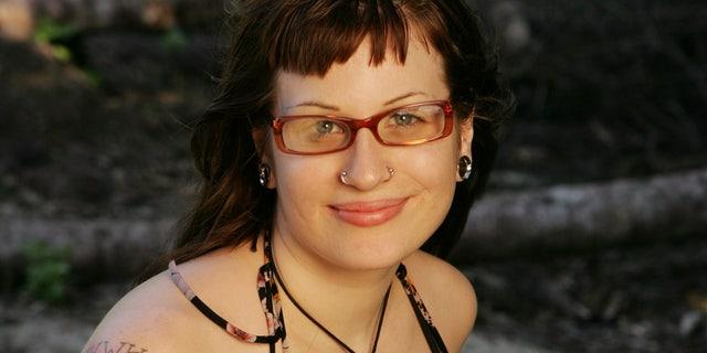 Angie Jakusz, 从, 新奥尔良, 路易斯安那州, 死于 40 一月. 8.