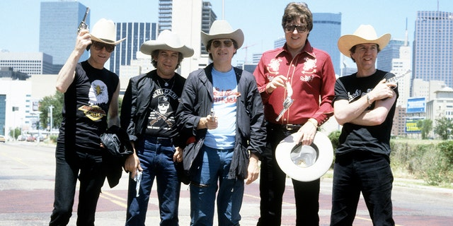 English pop group The Animals (John Steel, 힐튼 발렌타인, Eric Burdon, Chas Chandler and Alan Price) re-unite for a 74 date World tour on September 01,1983 달라스, United States.