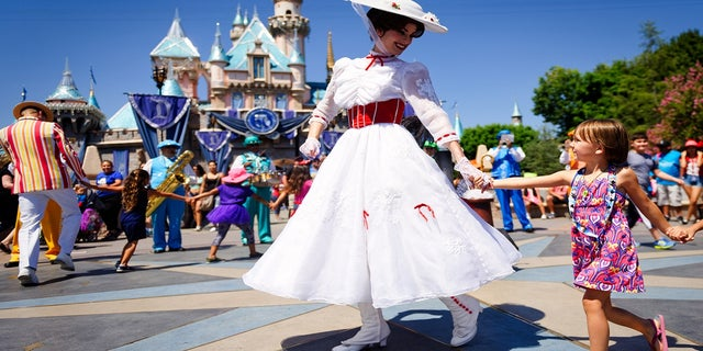 Disneyland to Serve as COVID-19 Vaccination 'Super Site'