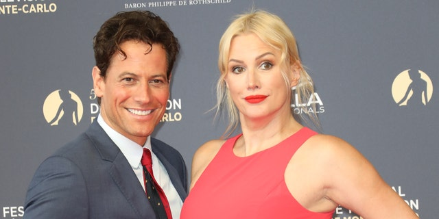 Ioan Gruffudd's wife tweets he is 'leaving his family'