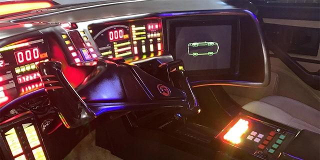 David Hasselhoff's personal K.I.T.T. replica featured the unusual steering wheel.