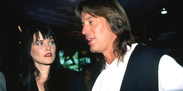 Actors Lucy Lawless and Kevin Sorbo attended an MCA TV promotional event for their January 1996 Xena: Princess Warrior and Hercules: Legendary Journeys in Las Vegas, Nevada.  (Getty Images)