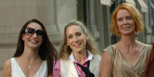 Kirsten Davis (left), Sarah Jessica Parker and Cynthia Davis will reunite for the 'Sex and the City' revival on HBO Max.