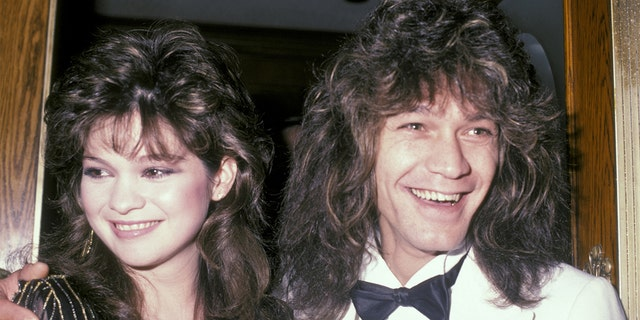 Bertinelli and Van Halen were married for 26 연령. They separated in 2001 and finalized their divorced in 2007.