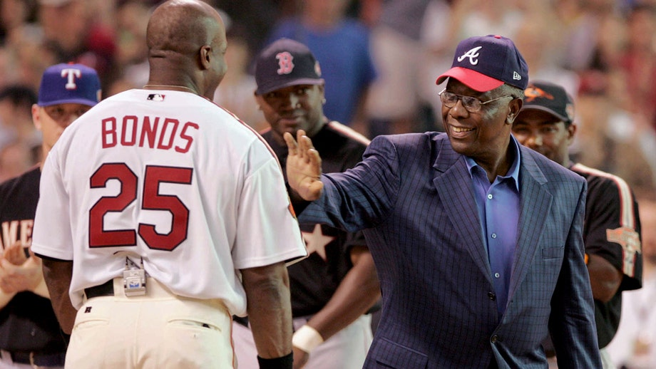 Barry Bonds remembers Hank Aaron amid baseball icons death