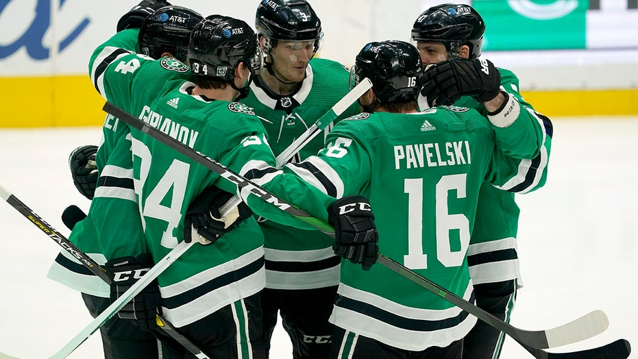 Dallas Stars beat Red Wings 7-3 to improve to 4-0 on season