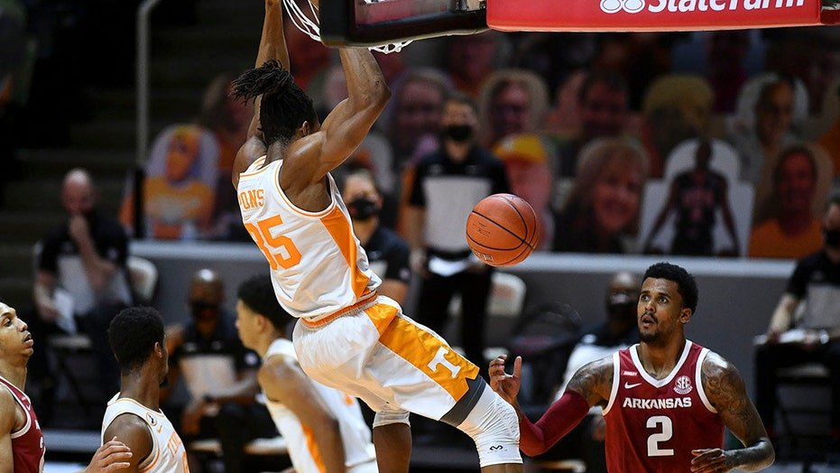 No. 9 Tennessee tops Texas A&M 68-54 behind Santiago Vescov