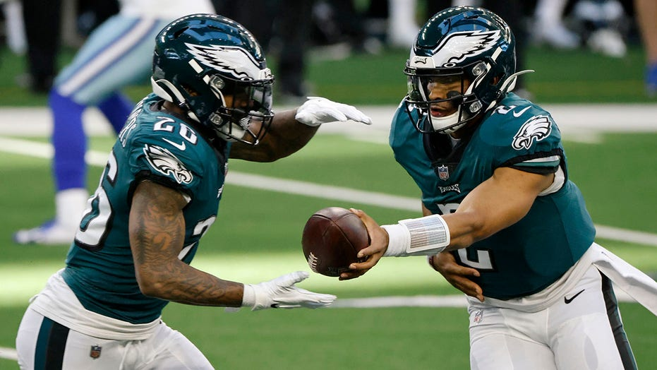 Eagles' Miles Sanders on benching of Jalen Hurts: 'Nobody liked the decision'