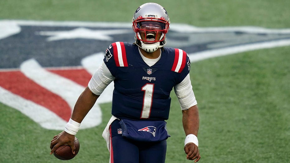 Newton accounts for 4 TDs, Patriots roll 28-14 over Jets