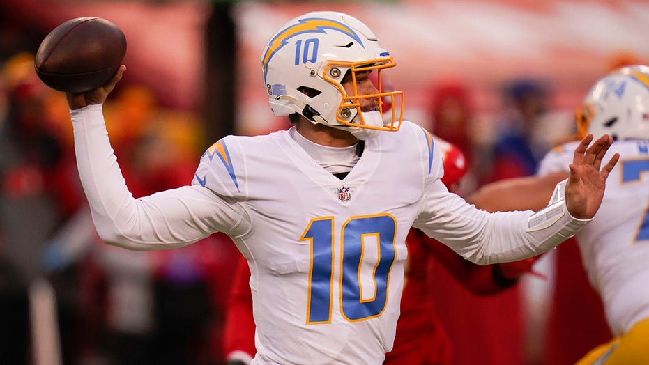 Chargers' Justin Herbert sets multiple rookie records in win over Chiefs
