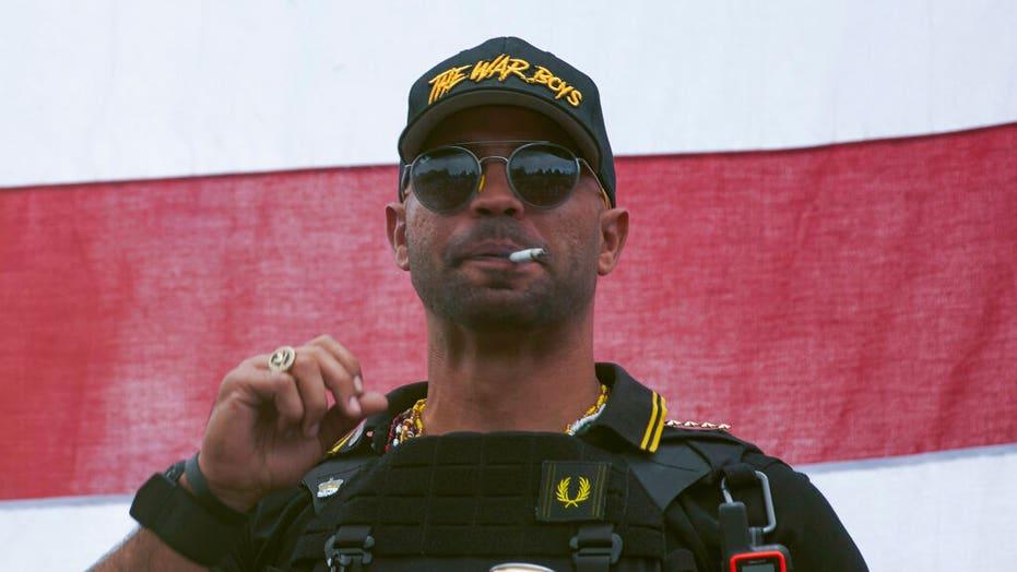 자랑스러운 소년 리더 엔리케 타 리오, DC 혐의에 대해 무죄를 주장; 보석없이 석방