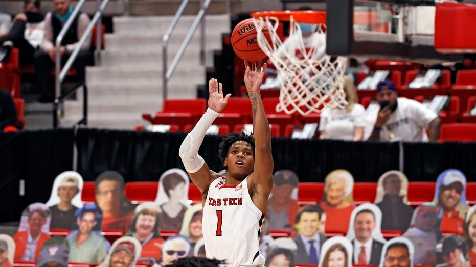 No. 18 Texas Tech tops K-State 82-71 for 1st Big 12 home win