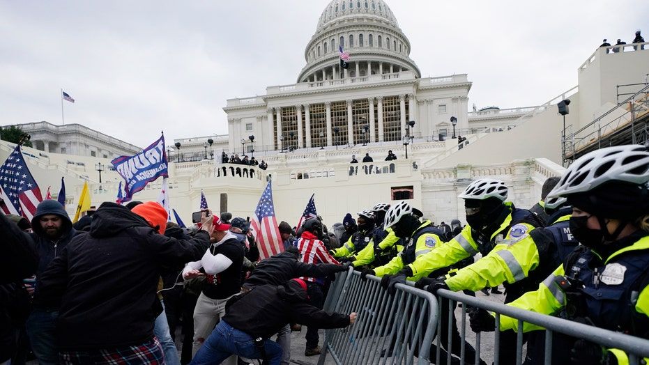 DC police begin manhunt for Capitol rioters, release photos
