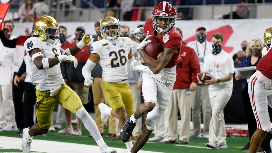 Alabama's Smith, Ohio State's Fields lead all-bowl team