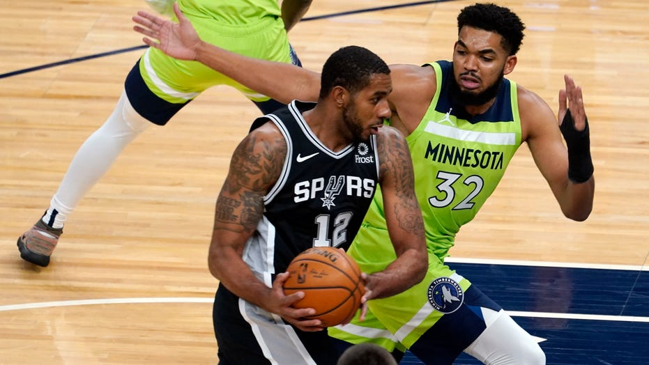 DeRozan, Spurs beat Towns, Wolves 125-122 in overtime