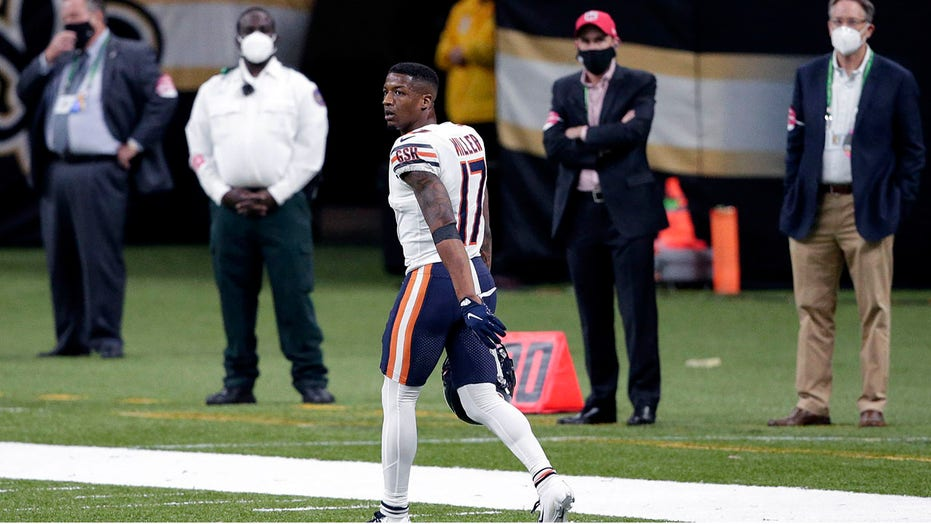 Bears' Anthony Miller ejected after scuffle during NFC wild-card game vs. Saints